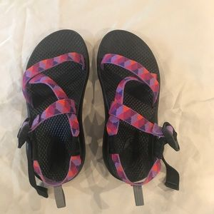 Girls Chaco sandals sz 4 almost new